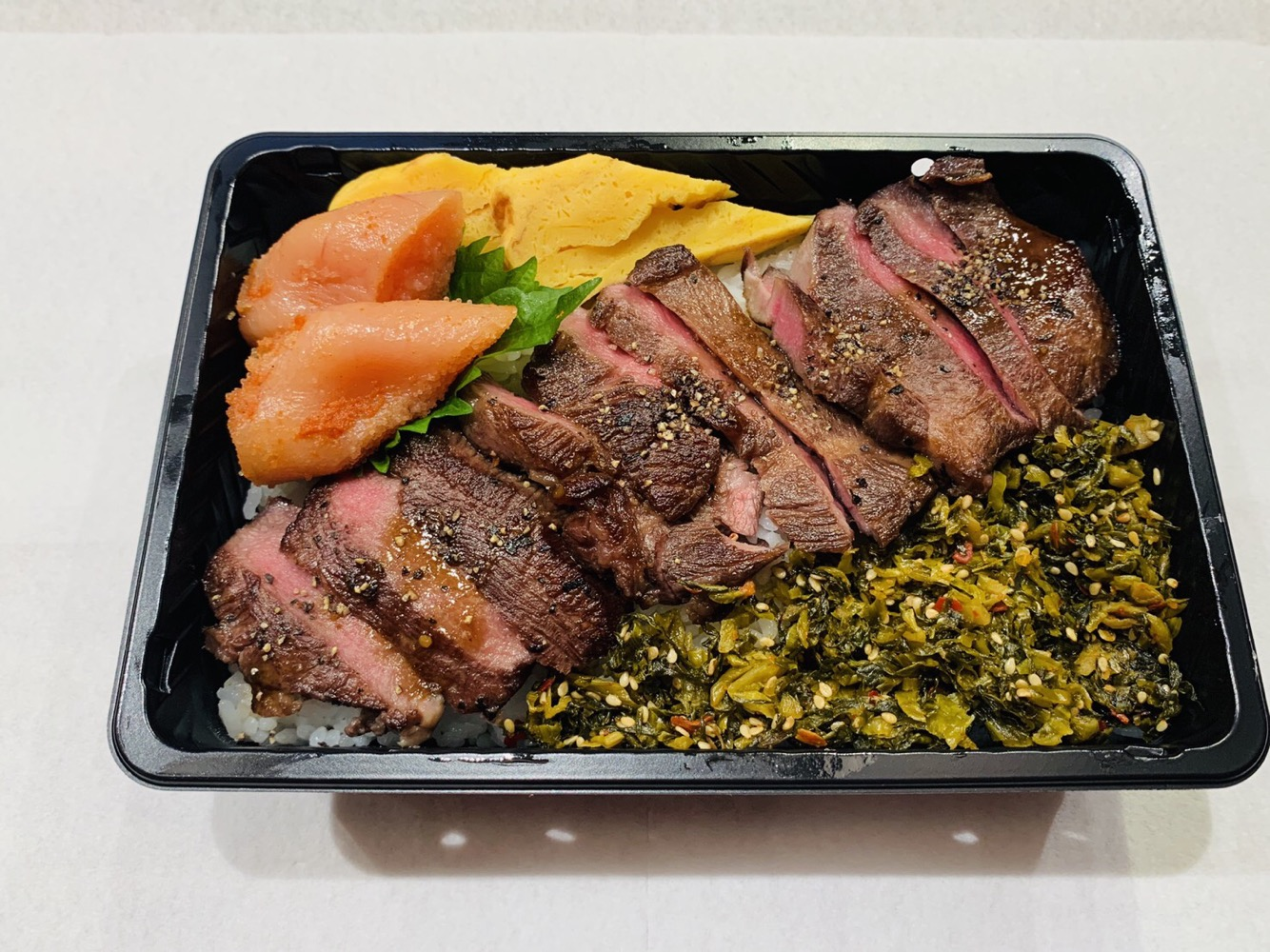 厚切り国産牛たんステーキ重